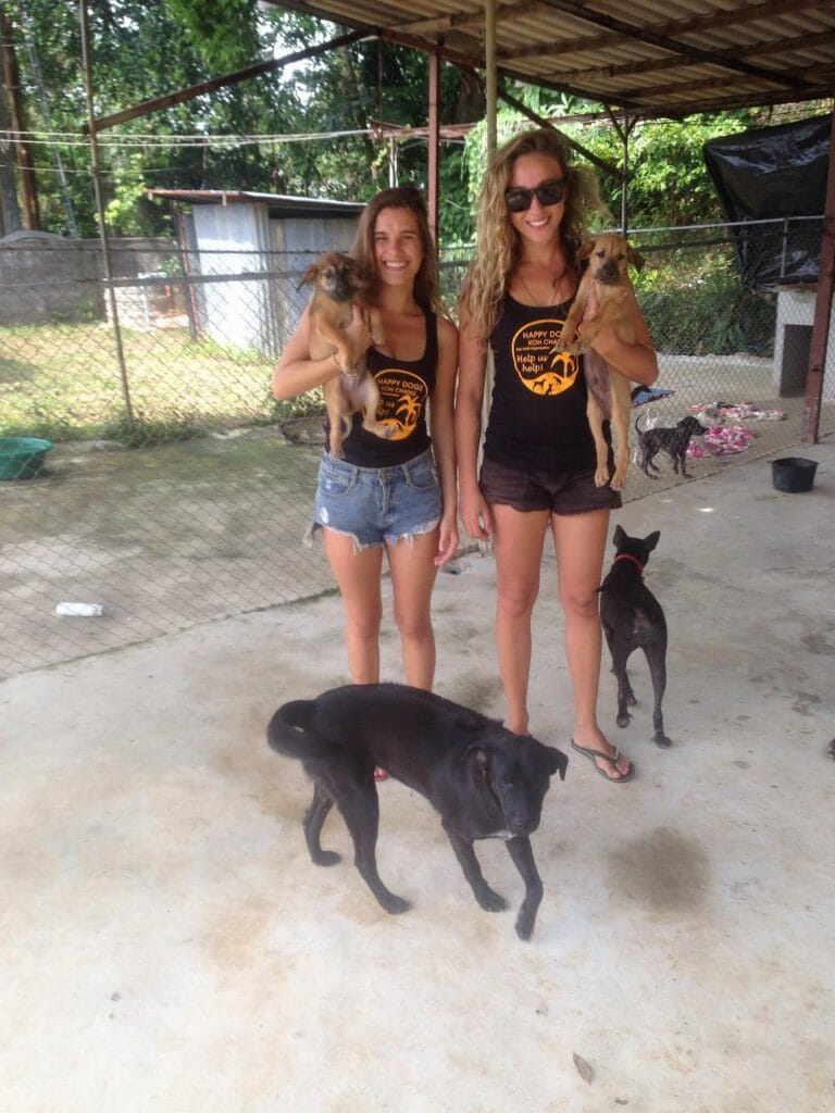 Fernanda und Amanda | Happy Dogs Koh Chang- animal welfare and shelter care Thailand
